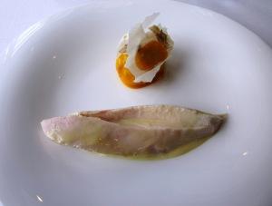 Third course - Hawkesbury free range chicken, steamed brioche, egg yolk confit, Alba truffle