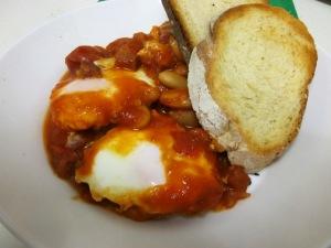 Eggs with tomato and chorizo