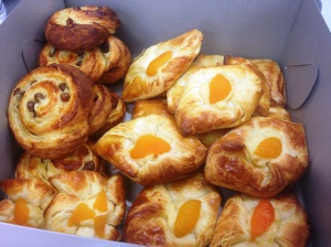 danishes box